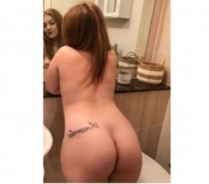 Fela adult escorts in Farmington, MN